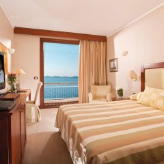 Отель Grand Resort Lagonissi комната для гостей фото 2