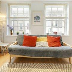 Апартаменты Boho Apartment in the Lanes комната для гостей фото 4