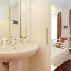 Отель Lucretia House Affittacamere Италия, Флоренция - отзывы, цены и фото номеров - забронировать отель Lucretia House Affittacamere онлайн ванная фото 2