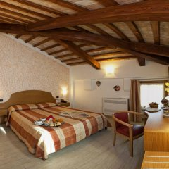 Отель Albergo Antica Corte Marchesini Италия, Кампанья-Лупия - 1 отзыв об отеле, цены и фото номеров - забронировать отель Albergo Antica Corte Marchesini онлайн комната для гостей фото 4