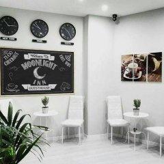 Отель Moonlight Inn Guest House Италия, Рим - отзывы, цены и фото номеров - забронировать отель Moonlight Inn Guest House онлайн интерьер отеля