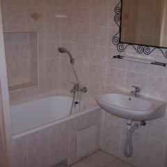 Charles Bridge B&b Hotel Прага ванная
