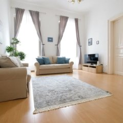 Апартаменты Oasis Apartments - Liberty Bridge II Будапешт комната для гостей фото 4