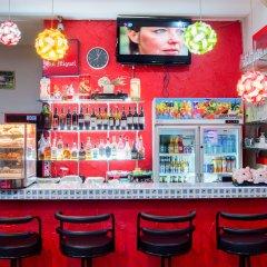 Отель Pattaya Holiday Lodge Паттайя гостиничный бар