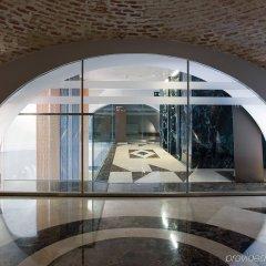 Отель NH Collection Palacio de Tepa бассейн