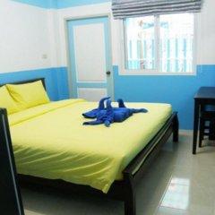 Отель Sooi-Tee Guest House 2 Таиланд, Паттайя - отзывы, цены и фото номеров - забронировать отель Sooi-Tee Guest House 2 онлайн комната для гостей фото 2