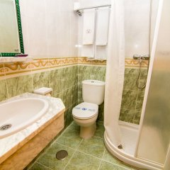 Отель Hostal Los Corchos ванная