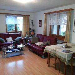Отель Chesa Grischa Швейцария, Санкт-Мориц - отзывы, цены и фото номеров - забронировать отель Chesa Grischa онлайн комната для гостей фото 2