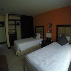 Отель Pueblito Escondido Luxury Condohotel сейф в номере