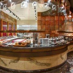 Отель DoubleTree by Hilton Hotel Toronto Downtown Канада, Торонто - отзывы, цены и фото номеров - забронировать отель DoubleTree by Hilton Hotel Toronto Downtown онлайн питание