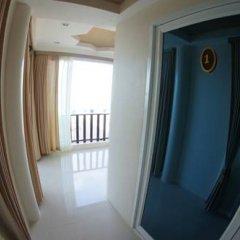 Отель TT Naiyang Beach Phuket сейф в номере