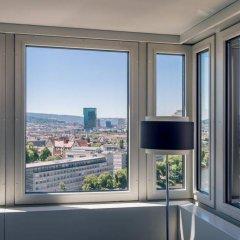 Отель Zurich Marriott Hotel Швейцария, Цюрих - отзывы, цены и фото номеров - забронировать отель Zurich Marriott Hotel онлайн комната для гостей фото 5