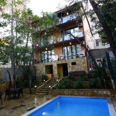 Отель Сани Тбилиси бассейн фото 2