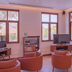Отель Heritance Aarah (Premium All Inclusive) Мальдивы, Медупару - отзывы, цены и фото номеров - забронировать отель Heritance Aarah (Premium All Inclusive) онлайн интерьер отеля