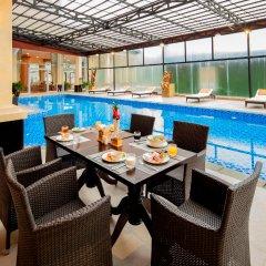 Отель Ladalat Hotel Вьетнам, Далат - отзывы, цены и фото номеров - забронировать отель Ladalat Hotel онлайн бассейн