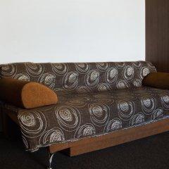 Гостиница High Hostel в Тюмени 6 отзывов об отеле, цены и фото номеров - забронировать гостиницу High Hostel онлайн Тюмень комната для гостей фото 2