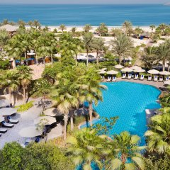 Отель The Ritz-Carlton, Dubai бассейн