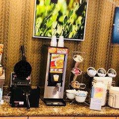 Отель Best Western Plus Rama Inn & Suites питание фото 2