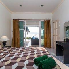 Отель On The Beach Villa by Lofty комната для гостей фото 2