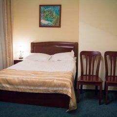 Гостиница Гринберг в Шерегеше 1 отзыв об отеле, цены и фото номеров - забронировать гостиницу Гринберг онлайн Шерегеш комната для гостей фото 2