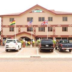 Allseasons Hotel Ltd парковка
