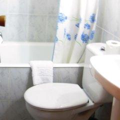Отель Hostal Chelo Испания, Мадрид - 3 отзыва об отеле, цены и фото номеров - забронировать отель Hostal Chelo онлайн ванная