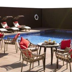 Отель Rosh Rayhaan by Rotana бассейн