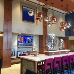 Отель Hampton Inn & Suites Newburgh Stewart Airport Ny Ньюберг гостиничный бар