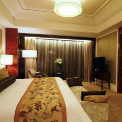 Отель Wyndham Grand Plaza Royale Oriental Shanghai Китай, Шанхай - отзывы, цены и фото номеров - забронировать отель Wyndham Grand Plaza Royale Oriental Shanghai онлайн комната для гостей фото 3