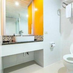 Отель Bangkok Cha-Da Hotel Таиланд, Бангкок - отзывы, цены и фото номеров - забронировать отель Bangkok Cha-Da Hotel онлайн ванная