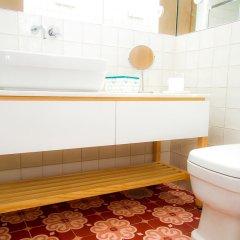 Апартаменты Liiiving in Porto - Art & Heart Studio ванная фото 2
