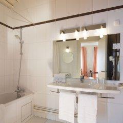 Отель Hôtel Londres Saint Honoré Франция, Париж - отзывы, цены и фото номеров - забронировать отель Hôtel Londres Saint Honoré онлайн ванная