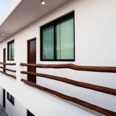 Отель Dewl Studios & Residences - The Kahlo Мексика, Плая-дель-Кармен - отзывы, цены и фото номеров - забронировать отель Dewl Studios & Residences - The Kahlo онлайн балкон