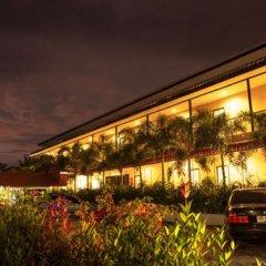 Отель Phuket Airport Inn парковка