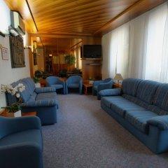Отель Albergo Delle Alpi Беллуно интерьер отеля