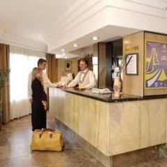 Hotel Avante Los Califas Торремолинос интерьер отеля