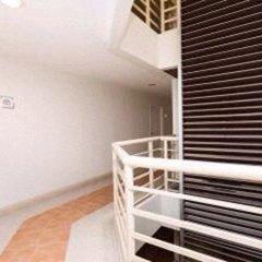 Апартаменты Comfy King Studio Бангкок балкон
