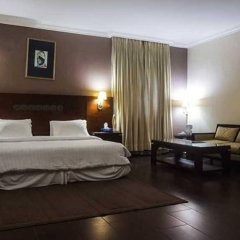 Отель Savoy Suites комната для гостей