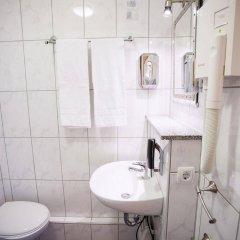 Отель Centro Hotel Arkadia Германия, Кёльн - 6 отзывов об отеле, цены и фото номеров - забронировать отель Centro Hotel Arkadia онлайн ванная