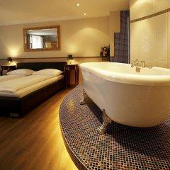 Отель Altstadthotel Kasererbräu Австрия, Зальцбург - 3 отзыва об отеле, цены и фото номеров - забронировать отель Altstadthotel Kasererbräu онлайн ванная фото 2