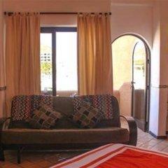Отель Cabo Marina Beach Condos Bed And Breakfast - Adult Only комната для гостей фото 4