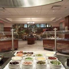 Отель Hilton Washington DC/Rockville Hotel & Executive Meeting Center США, Роквилль - отзывы, цены и фото номеров - забронировать отель Hilton Washington DC/Rockville Hotel & Executive Meeting Center онлайн питание