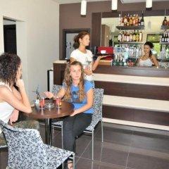 Отель Burgas Free University Болгария, Бургас - отзывы, цены и фото номеров - забронировать отель Burgas Free University онлайн гостиничный бар