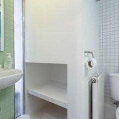 Отель 1 Bedroom Flat in Zone 2 of London ванная фото 2