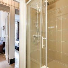 Отель Sweet Inn Apartments Saint Germain Франция, Париж - отзывы, цены и фото номеров - забронировать отель Sweet Inn Apartments Saint Germain онлайн ванная