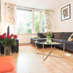 Апартаменты Plantage district apartments - Artis Zoo area комната для гостей