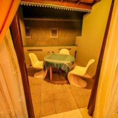 Отель Frangipani Motel Шри-Ланка, Галле - отзывы, цены и фото номеров - забронировать отель Frangipani Motel онлайн бассейн