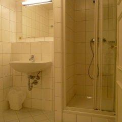 Отель Schwarzes Rössl Австрия, Зальцбург - 1 отзыв об отеле, цены и фото номеров - забронировать отель Schwarzes Rössl онлайн ванная