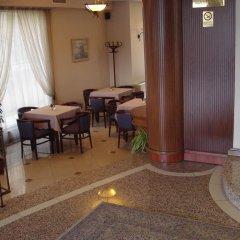 Отель Kapri Hotel Болгария, София - отзывы, цены и фото номеров - забронировать отель Kapri Hotel онлайн интерьер отеля