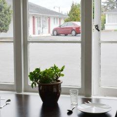 Отель 2400 Motel Канада, Ванкувер - отзывы, цены и фото номеров - забронировать отель 2400 Motel онлайн питание